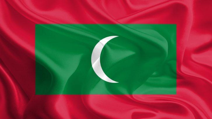 maldives_waving_flag
